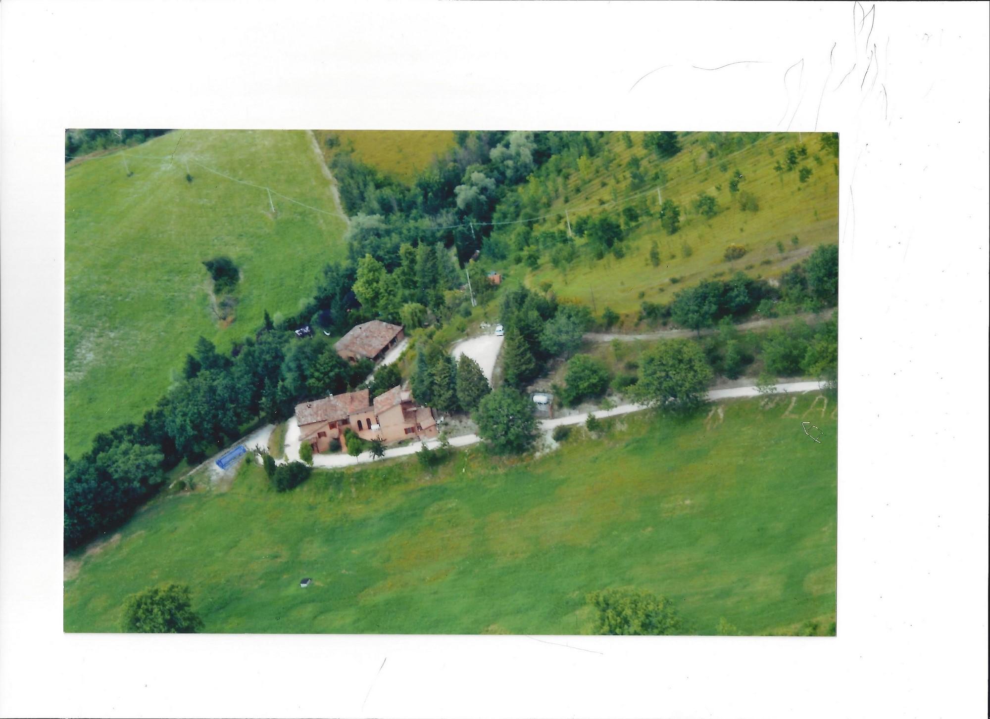 Agenzie Immobiliari Bassano agriturismo bassano di fabriano (villa_casale) - immobiliare